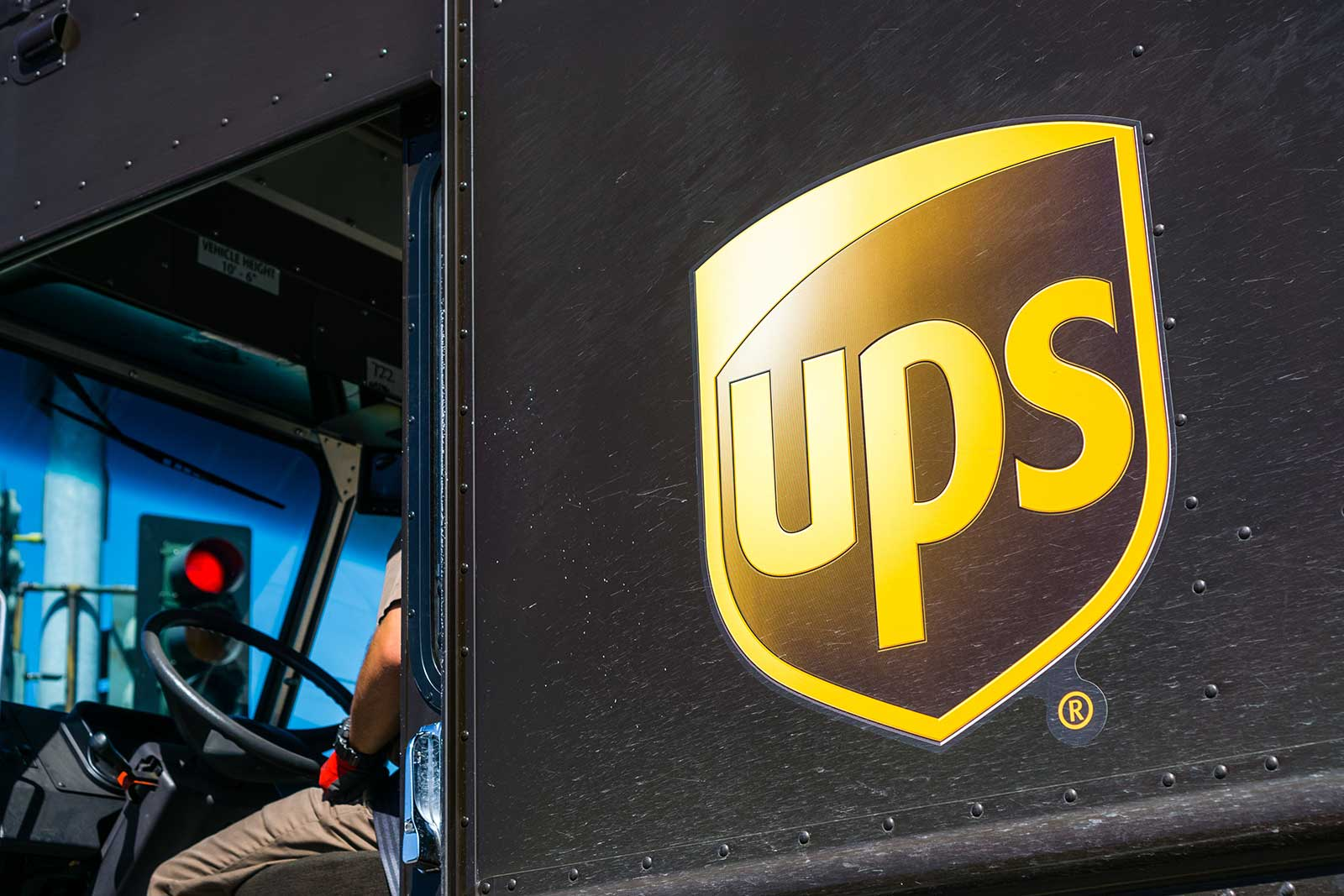 UPS to Charge More for Large and Over Maximum Shipments Starting October 1, Additional Handling November 24